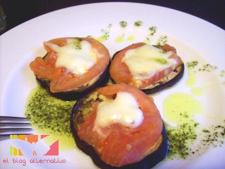 Receta de berenjenas con tomate y mozzarela al horno